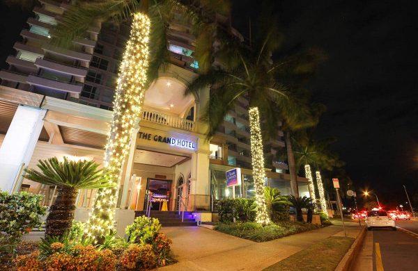 High-End-Fairy-Light-Palms---The-Grand-Hotel,-Labrador-(QLD)-(7)