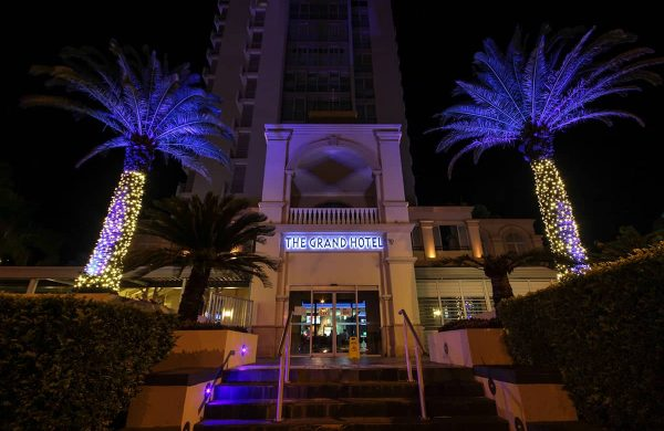 Wash-Light-&-Fairy-LIght-Palm---The-Grand-Hotel-(1)