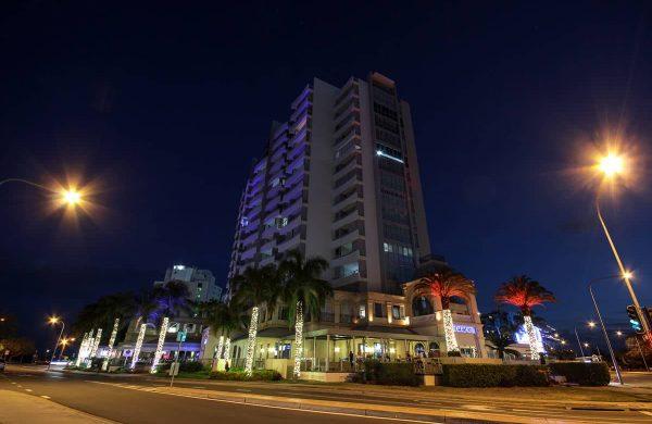 Wash-Light-&-Fairy-LIght-Palm---The-Grand-Hotel-(2)