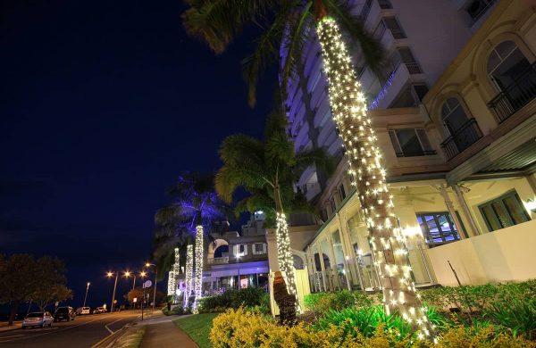 Wash-Light-&-Fairy-LIght-Palm---The-Grand-Hotel-(3)