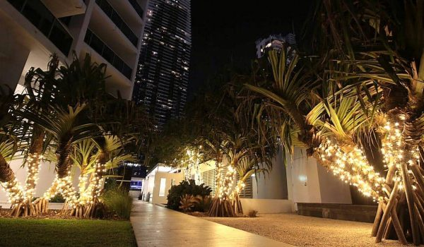 First-image-Hilton-Hotel---High-End-Fairy-Design-on-Trees-(5)