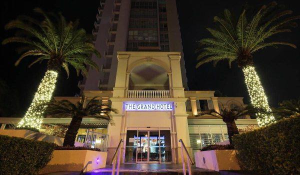 High-End-Fairy-Light-Palms---The-Grand-Hotel,-Labrador-(QLD)-(2)